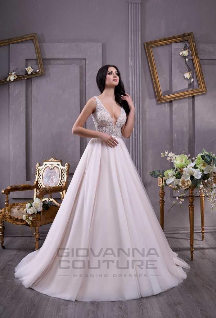Adriana_1-696x1024